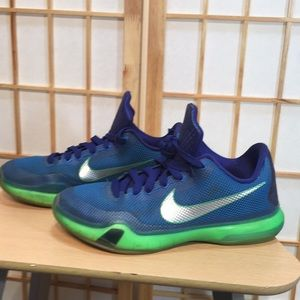 Nike Shoes - Nike kobe bryant